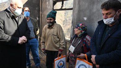 Photo of Başkan Çebi Evi Yanan Yaşlı Çifti Yalnız Bırakmadı